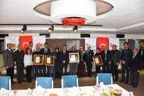 ŞEHİT AİLELERİ - Şehit Ailelerine 'Devlet Övünç Madalyası' Verildi
