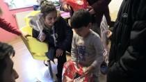 ASKERİ UÇAK - Şehit Arlı'nın Çocukları Karnelerini Aldı