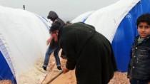 Suriye'deki Çadır Kentler Çamur İçinde
