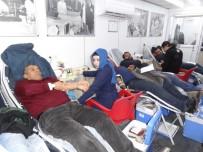 Yağışlı Havaya Rağmen Kan Bağışına Yoğun İlgi