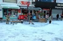Yozgat Belediyesi 120 Personelle Karla Mücadele Ediyor