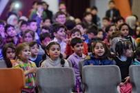 BEYOĞLU BELEDIYESI - Beyoğlu'nda Suriyeli Çocukların Yüzü Sosyal Market'le Güldü