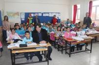 Gençlik Merkezi'nden Köy Okullarına Kitap Desteği