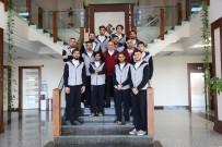 SALON FUTBOLU - HKÜ Sporcuları Kupayla Döndü
