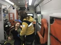 TAKSIM - İsrailli Kadının Kafasına Tahta Düştü