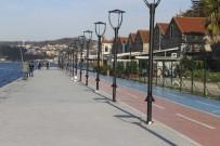 BALIK TUTMA - Kanlıca'dan-Paşabahçe'ye 3 Bin 700 Metre Yürüyüş Keyfi