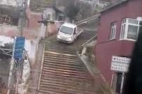 KEMAL SUNAL - Kestirmeden İnmek İçin Aracını Merdivenlere Sürdü