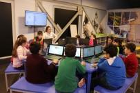 BİLİM MERKEZİ - Kocaeli Bilim Merkezi'ni Ayda 18 Bin Kişi Ziyaret Ediyor