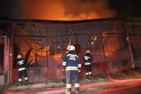 SARAYCıK - Marangozhanede Çıkan Yangın Beraberinde 3 Dükkana Zarar Verdi