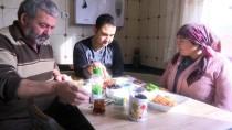 SEVINDIK - Taşeron İşçinin 'En Mutlu' Günü