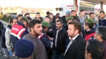 AHMET KAYA - Vatandaşlardan 'Bariyer' Protestosu