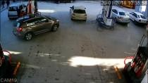Akaryakıt Ücretini Ödemeden Kaçan Cip Güvenlik Kamerasında