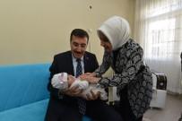 ALI KABAN - Bakan Tüfenkci'den 'Hayat Seninle Güzel' Projesinin 10 Bininci Bebeğine Anlamlı Ziyaret