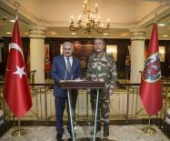 HULUSİ AKAR - Başbakan Yıldırım, Genelkurmay Başkanı Orgeneral Akar'dan Bilgi Alıyor
