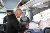 UMRE - Başkan Seyfi Dingil, Umreye Giden Vatandaşları Uğurladı