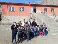 Çermik SYDV'den Öğrencilere Kışlık Bot Yardımı