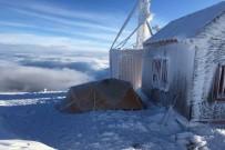 KAYAK MERKEZİ - Dağcılardan Bulutların Üzerinde Kamp Keyfi