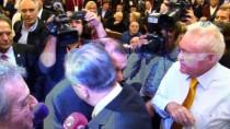 TEVFİK FİKRET - Dursun Özbek, Mustafa Cengiz'i Tebrik Ederek Salondan Ayrıldı
