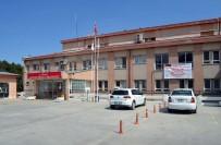 POLİS MERKEZİ - Eski Devlet Hastanesi Bahçesindeki Mazgalları Çaldılar