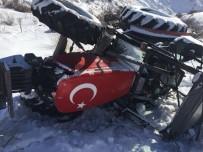 Horasan'da Traktör Devrildi Açıklaması 3 Yaralı