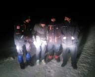 KURTARMA EKİBİ - Kar Fırtınasında Aracında Mahsur Kalan Kişi Kurtarıldı