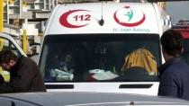 ALİHAN - Kocaeli'de Trafik Kazası Açıklaması 4 Yaralı