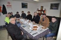 SABAH NAMAZı - Özkan, Türkiye Gençlik Vakfı Üyeleriyle Buluştu
