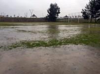 ELVERİŞSİZ HAVA - Sağanak Yağış Ve Şiddetli Fırtına Osmaniye'de Futbol Maçlarını Olumsuz Şekilde Etkiledi