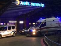 POLİS - 14 Bıçak Darbesi Alan Genç Ağır Yaralandı