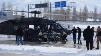 YARALI ASKERLER - Çığ Altından Kurtarılan Askerler Hastaneye Getirildi