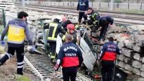 TREN İSTASYONU - GÜNCELLEME - Manisa'da Trafik Kazası Açıklaması 4 Ölü, 2 Yaralı