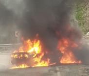 İki Otomobil Alev Alev Yandı Açıklaması 8 Yaralı