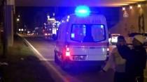 Kaza Sonrası Araçta Sıkışan İki Kişi Kurtarıldı