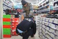 ENGELLİ GENÇ - Polis Memuru Terlikle Dolaşan Engelliyi Görünce Ayakkabı Aldı