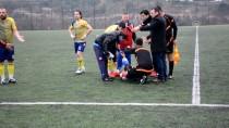 SÜPER AMATÖR LİGİ - Sakatlanan Futbolcuyu Hakem Ve Rakip Oyuncular Taşıdı
