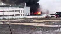 EYÜP SULTAN - Sancaktepe'de Fabrika Yangını
