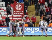 KEMAL YıLMAZ - Süper Lig Açıklaması Antalyaspor Açıklaması 1 - Beşiktaş Açıklaması 2 (Maç Sonucu)