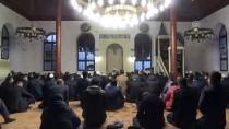 Tarihi Orhan Camisinde Zafer Duası