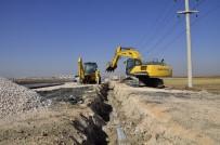 GAZİ YAŞARGİL - Diyarbakır'ın Yeni Yerleşim Bölgelerinde İçme Suyu Şebekesi Döşeniyor