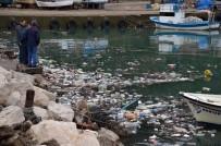 Fırtına Sahili Çöp Deposu Yaptı