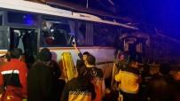 POLİS - Karabük'te Servis Midibüsü Eve Girdi Açıklaması 4 Ölü, 2 Yaralı