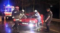 NECATI ÇELIK - Kocaeli'de Trafik Kazası Açıklaması 2 Yaralı