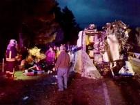 ADıGÜZEL - Kontrolden Çıkan Yolcu Otobüsü Devrildi Açıklaması 24 Yaralı