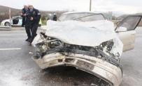YOLCU MİNİBÜSÜ - Tavşanlı Trafik Kazası 4 Yaralı