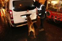 DİYARBAKIR EMNİYET MÜDÜRLÜĞÜ - Diyarbakır'da 600 Polis Ve Dedektör Köpeklerle Asayiş Uygulaması