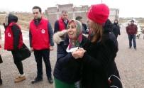 SELAHADDIN - Evine Roket Düşen Aile Gözyaşlarına Hakim Olamadı