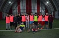 FUTBOL MAÇI - Polis İle Gençlik Grubu Arasında Futbol Maçı