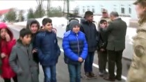 Vali Ve Jandarma Bölge Komutan Vekili Öğrencilerle Buluştu