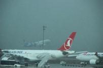 SEFAKÖY - Atatürk Havalimanı'nda İlginç Kar Manzarası