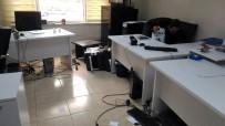 KAÇAK ELEKTRIK - Dicle Elektrik Hizmet Binasına Saldırı